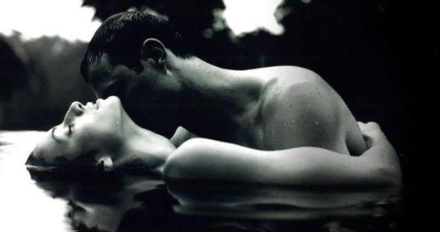 Ποιες προτιμούν οι άνδρες στο σεξ; Τις ισχυρές ή τις ρομαντικές; (έρευνα)