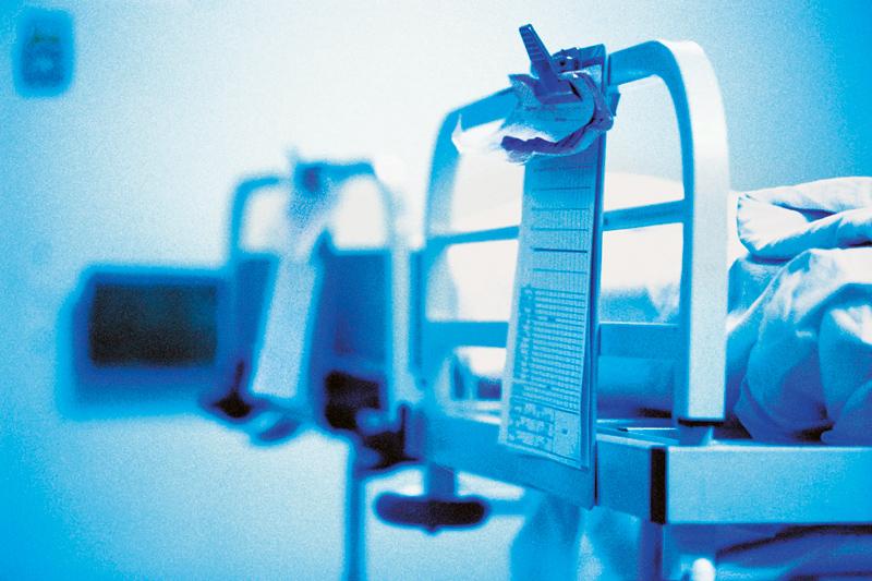 Πόσο θα κουρευτούν οι δαπάνες σε νοσοκομεία- ΕΟΠΥΥ το 2015! Τι κόβεται