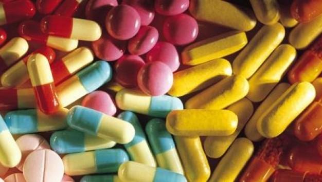 Έλληνες φαρμακοβιομήχανοι κατά συνταγογράφησης με δραστική ουσία! Τι θα γίνει με τα φάρμακα