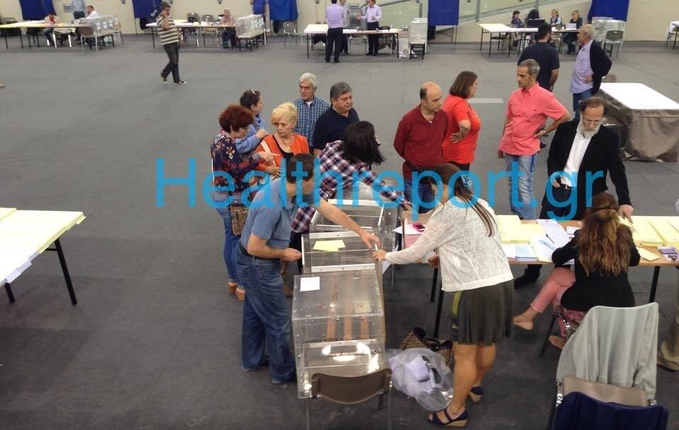 Χάος στις εκλογές του ΙΣΑ! Σταμάτησε η ψηφοφορία. Γιατί άνοιξαν οι κάλπες