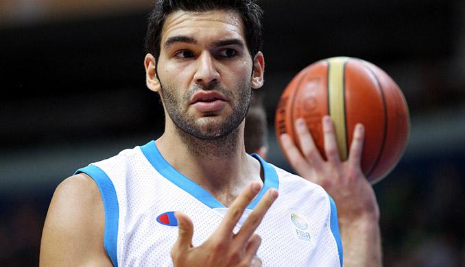 Δείτε πως τα βλαστοκύτταρα έσωσαν το γόνατο Έλληνα μπασκετμπολίστα!