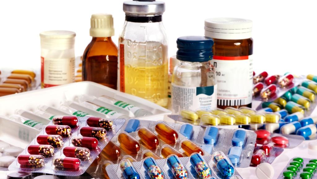 Γιατί αδειάζουν τα ράφια των φαρμακείων; Η μεγάλη κόντρα για τις ελλείψεις