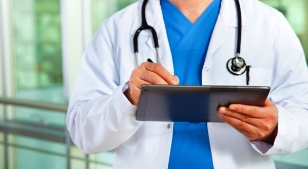 Δείτε τι πρόστιμα θα πληρώνουν οι γιατροί που υπερσυνταγογραφουν! Όλες οι οριστικές ποινές