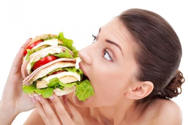 Γιατί τρώω πολύ; Δείτε όλα τα προβλήματα πρόσληψης τροφής