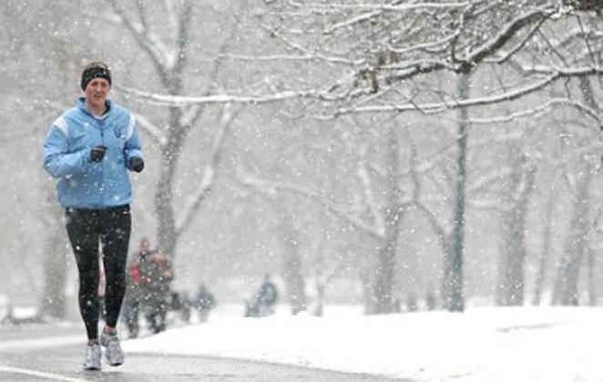 Περπατήστε άφοβα στο χιόνι! Τι συμβουλεύουν οι ειδικοί
