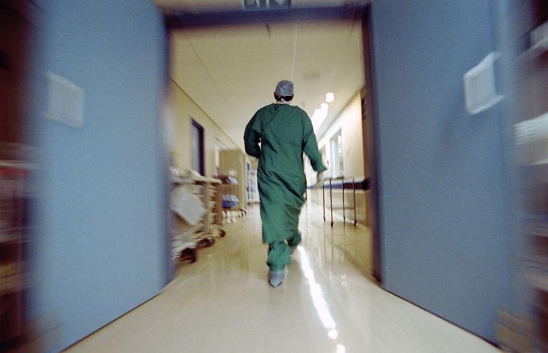 Γιατροί ΠΕΔΥ: Μπρος γκρεμός και πίσω ρέμα για την κυβέρνηση! Επιστρέφουν 170 απολυθέντες