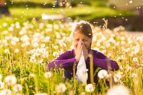 Αλλεργική ρινίτιδα: Ποιοι κινδυνεύουν περισσότερο;