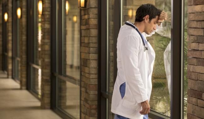 Ανάστατοι οι γιατροί του ΠΕΔΥ! Προς ιδιωτικοποίηση οι δημόσιες μονάδες υγείας