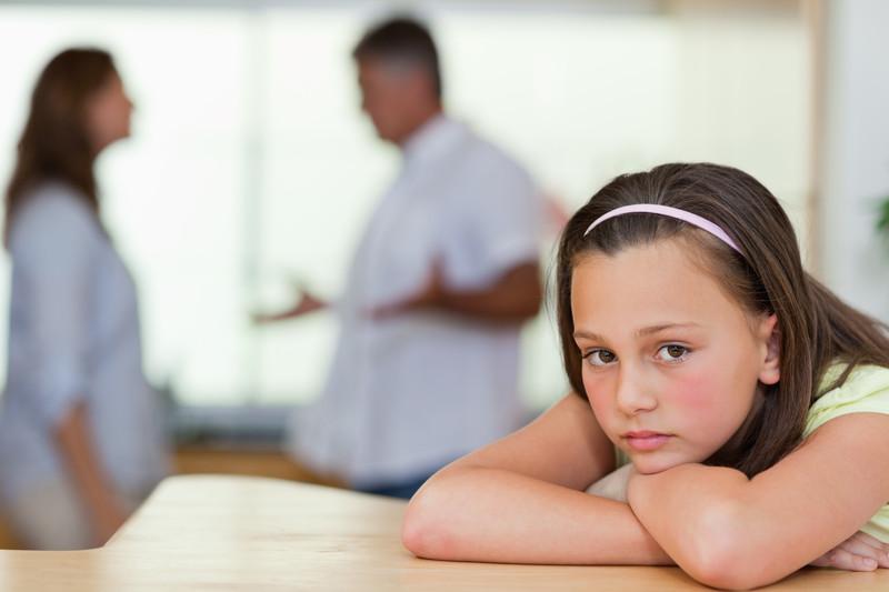 Δείτε τι μπορούν να πάθουν τα παιδιά ανά ηλικία από ένα βίαιο διαζύγιο!