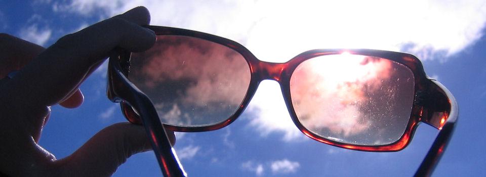 Πως θα προστατεύσουμε τα μάτια μας το καλοκαίρι! Ο γιατρός συμβουλεύει