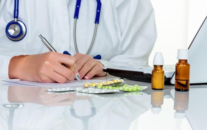 Στα ύψη οι συνταγές των φαρμάκων! Τι προτείνουν οι φαρμακοβιομηχανίες για τον έλεγχο της δαπάνης