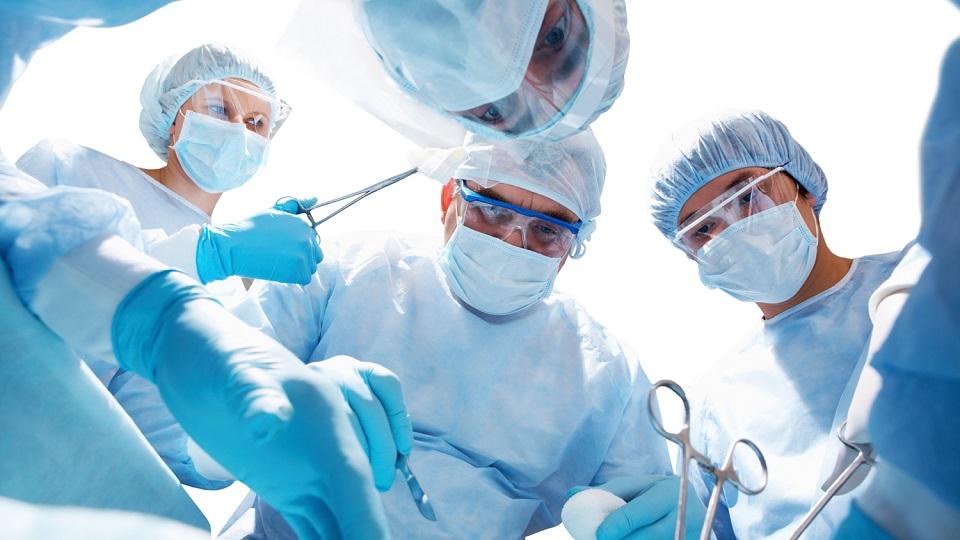 Τέλος στα χειρουργεία-ρουσφέτια στο ΕΣΥ!