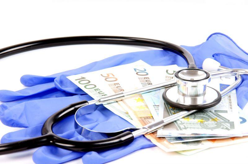 Γιατί η κρίση δε φόβισε τους «φακελάκηδες» στα νοσοκομεία!