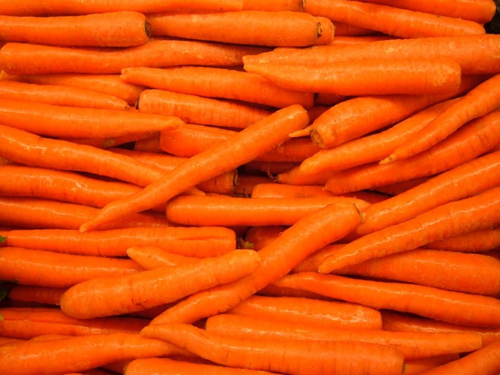 Δέκα λόγοι υγείας για να τρώτε καρότα καθημερινά