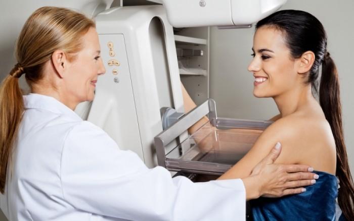 Ψηφιακή μαστογραφία: Ποιες γυναίκες πρέπει να υποβάλλονται!