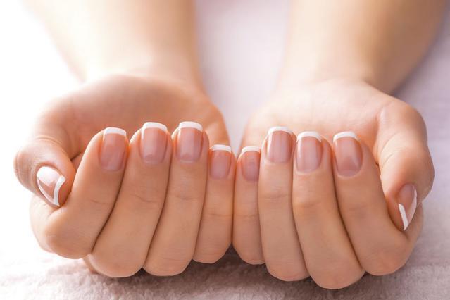 Μήπως τα νύχια σας σπάνε με το παραμικρό;  Όλοι οι λόγοι