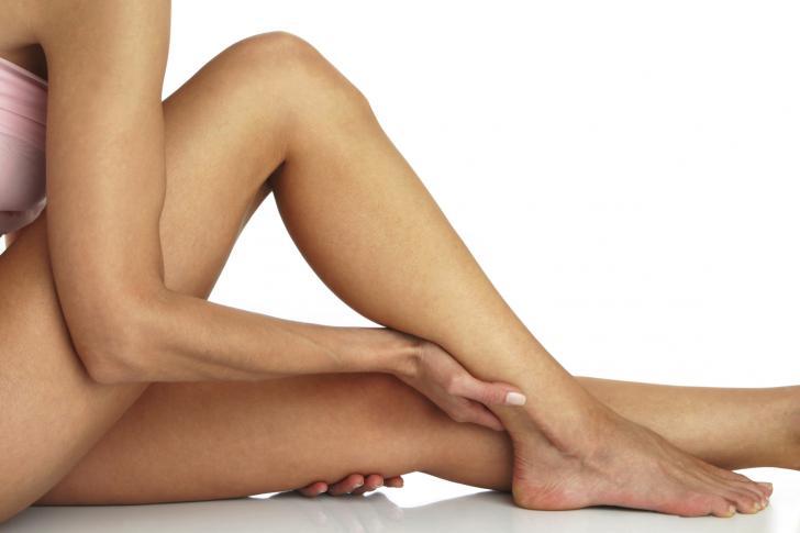 """Τι είναι το σύνδρομο Morton΄s που """"χτυπά"""" τα γυναικεία πόδια;"""