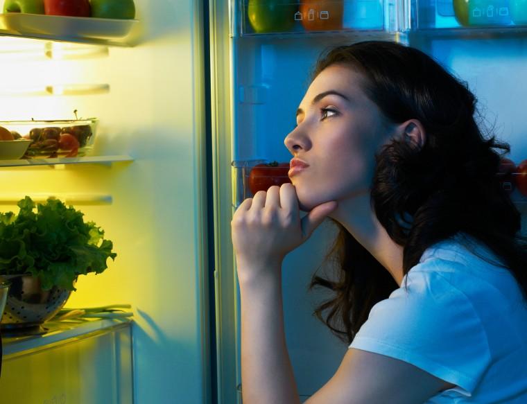 Τι δεν πρέπει να φάτε ποτέ πριν κοιμηθείτε