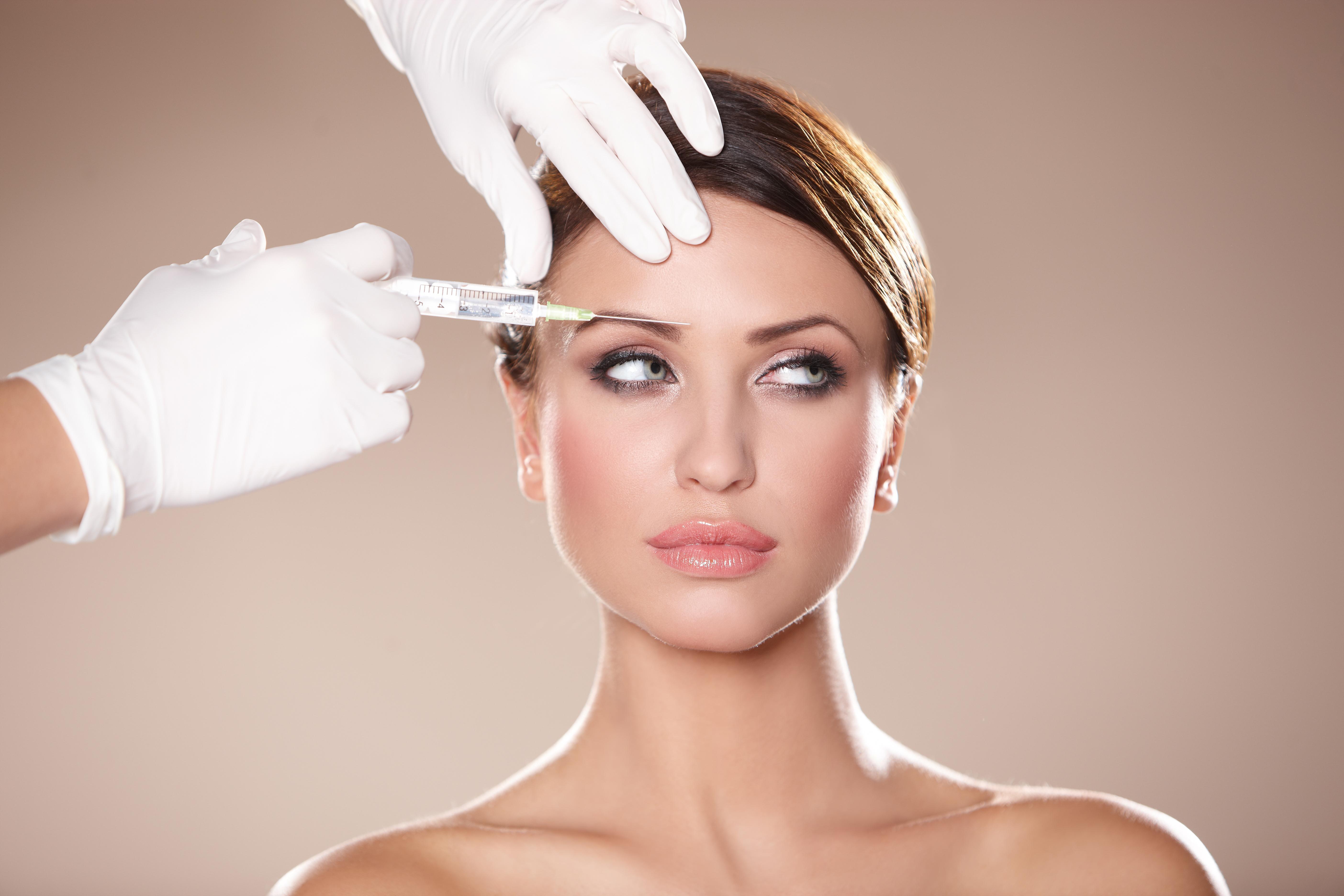 Botox: Μπορεί ή όχι να γίνει με άλλες θεραπείες;