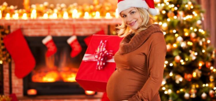 Έγκυος τα Χριστούγεννα: Οδηγός επιβίωσης