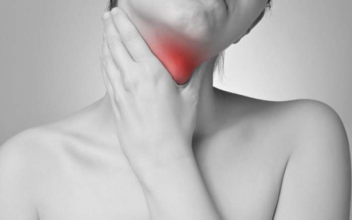 Καρκίνος του λάρυγγα: Αυτά είναι τα επικίνδυνα συμπτώματα!
