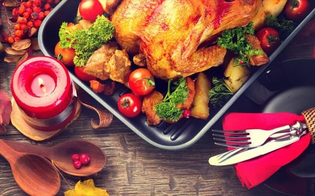 Χριστουγεννιάτικο τραπέζι: Έξυπνες συμβουλές για να γίνει πιο υγιεινό