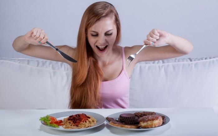 Συναισθηματική πείνα: Πότε συμβαίνει και γιατί;