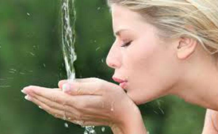 Επίμονη δίψα: Δείτε ποιες σοβαρές ασθένειες κρύβει