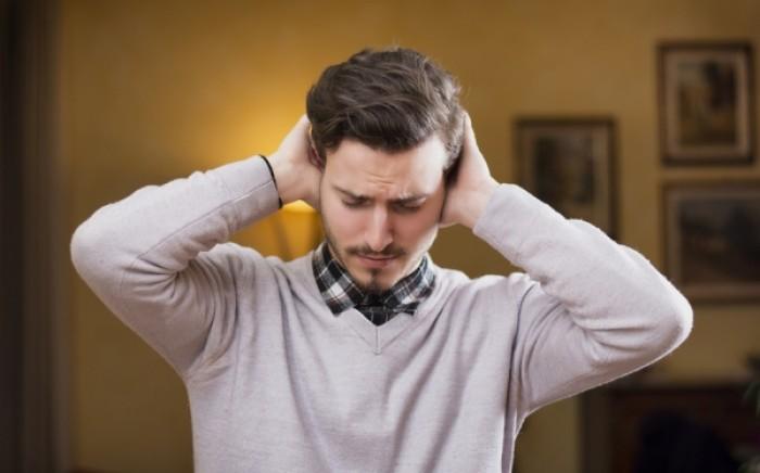 Βουητό στα αυτιά: Τι το προκαλεί – Ποια είναι τα συμπτώματα