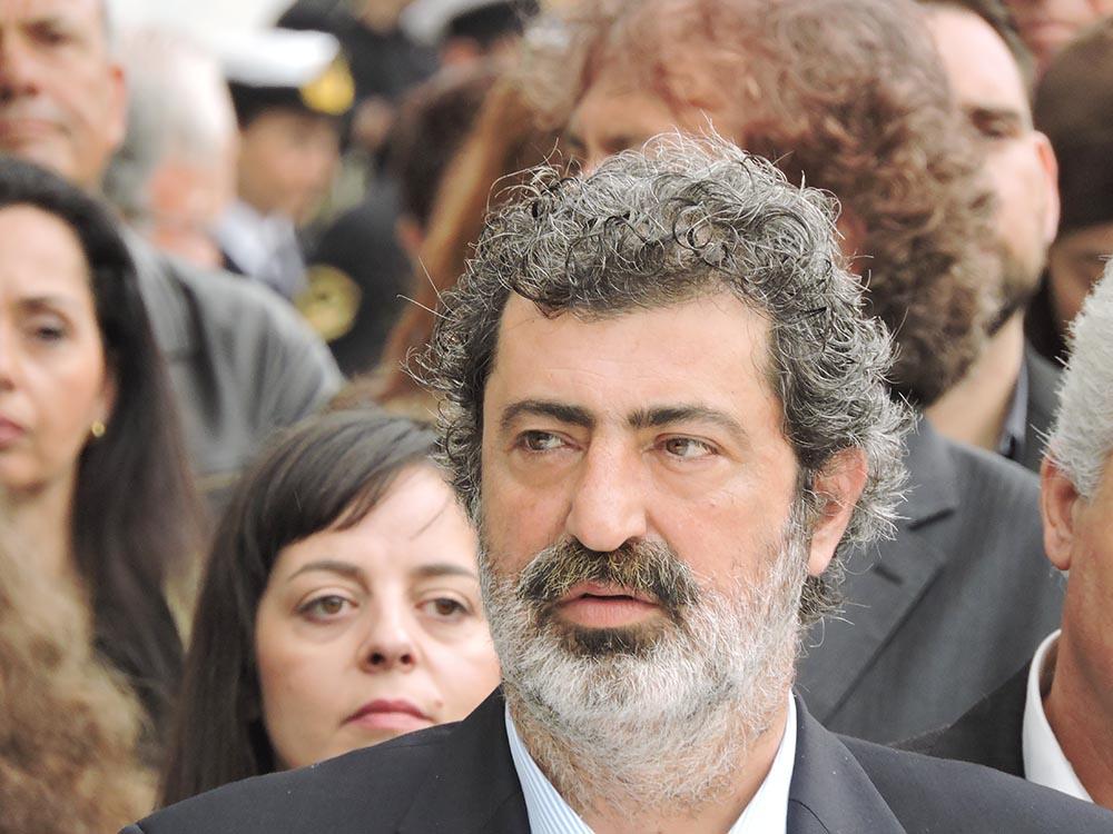 Π.Πολάκης: «Η μάνα μου ζει»! Μακάβριο μπέρδεμα με θάνατο στην οικογένεια του αν.Υπουργού Υγείας
