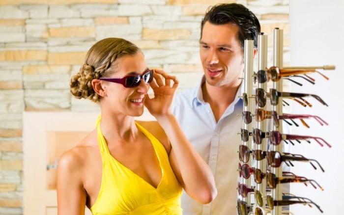 Γυαλιά ηλίου: Όλα όσα πρέπει να προσέξετε πριν τα αγοράσετε