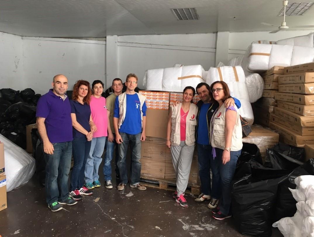 """Δώρο """"ζωής"""" 9000 κουτιά Depon από την Bristol στη ΜΚΟ Praksis!"""