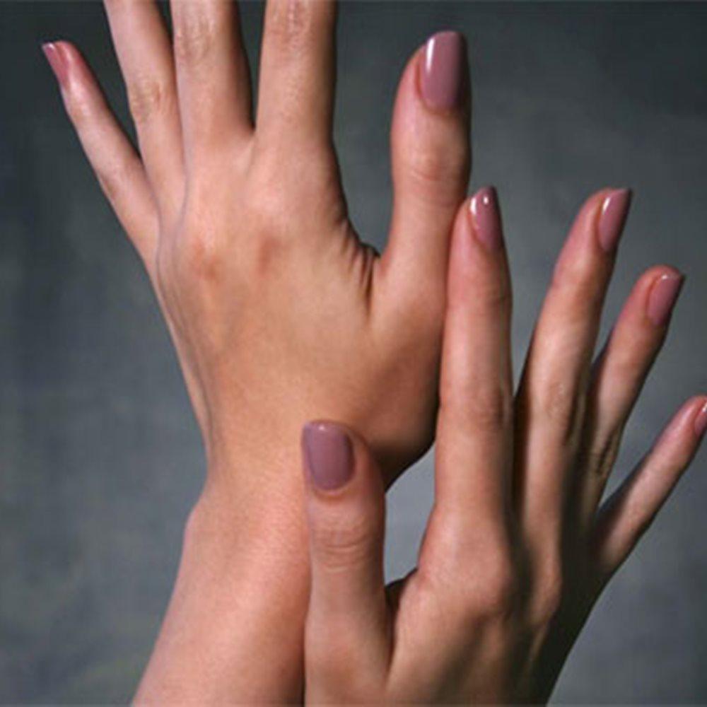 Εφίδρωση στα χέρια ή στο κεφάλι: Κοινές αιτίες & τρόποι αντιμετώπισης