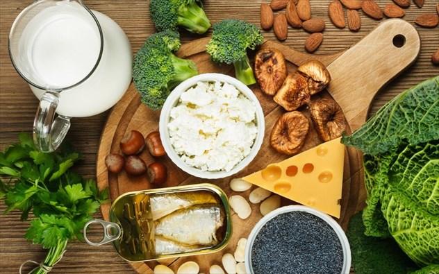 Ποιες τροφές είναι πλούσιες σε ασβέστιο αν δεν πίνετε γάλα;