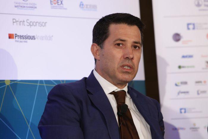 Ο καθηγητής Νίκος Μανιαδάκης