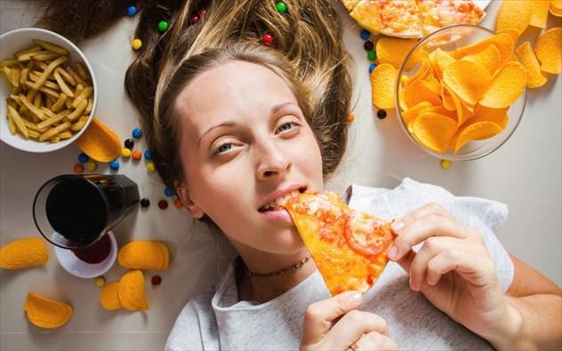 Μήπως πέφτετε με τα μούτρα στο φαγητό; Όλοι οι λόγοι