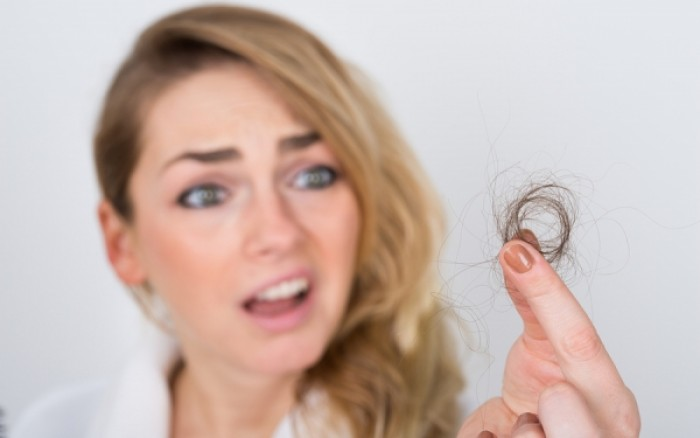 Εποχική τριχόπτωση: Πως θα την αντιμετωπίσετε;