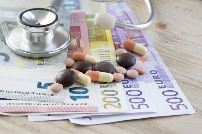 Δείτε πόσα δίνουμε για νοσοκομεία και φάρμακα από την τσέπη μας πριν και μετά την κρίση!