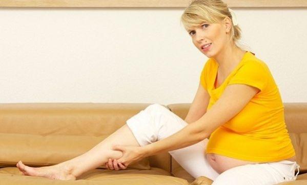 Εγκυμοσύνη και πρησμένα πόδια: Tips για άμεση ανακούφιση
