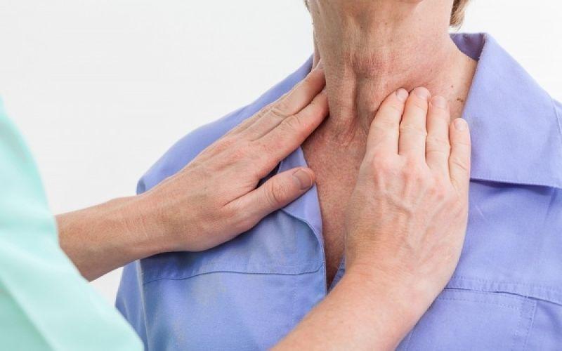 Υπερθυρεοειδισμός: Συμπτώματα που επιβάλλουν επίσκεψη στο γιατρό