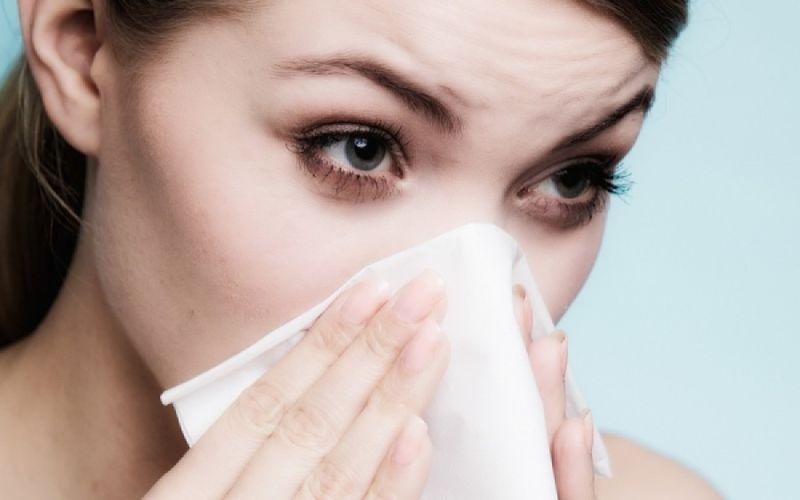 Φθινοπωρινές αλλεργίες: Ποιες είναι οι συχνότερες αιτίες που τις πυροδοτούν