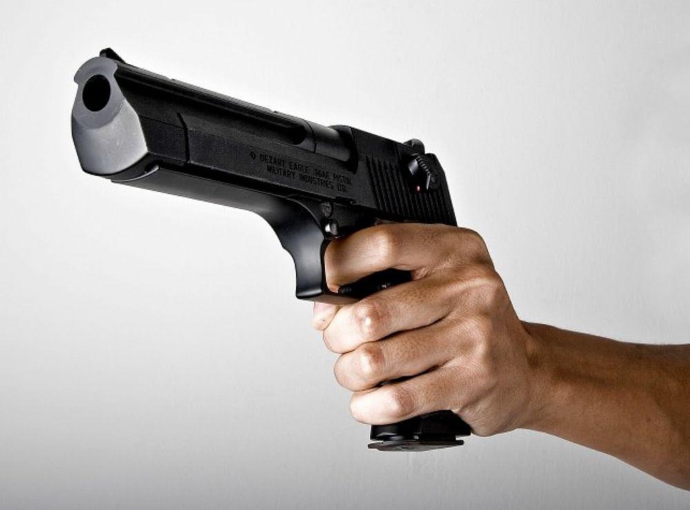 Άδεια οπλοφορίας και με χαρτί από Γενικό Γιατρό! Οι αντιδράσεις των ψυχιάτρων