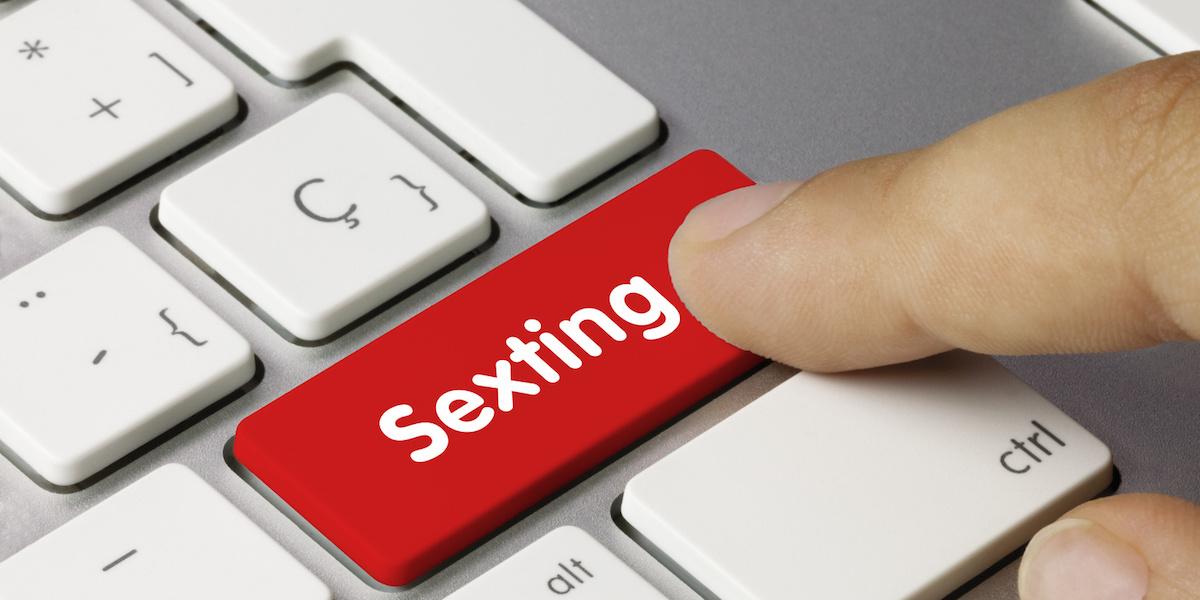 Sexting: Γιατί κάνει «πάταγο» στην Ελλάδα;
