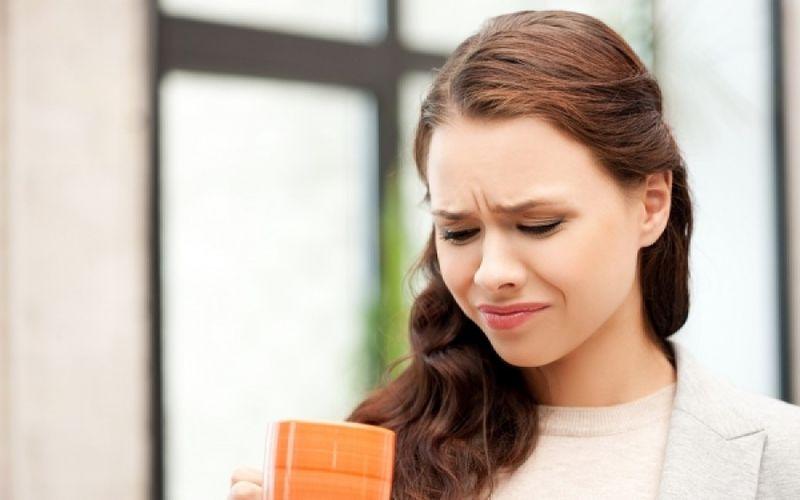 Μεταλλική γεύση στο στόμα: Με ποιες παθήσεις συνδέεται;