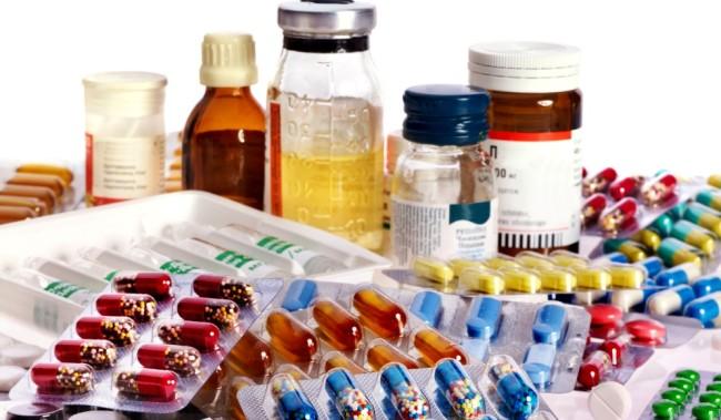 Ελλείψεις σε φάρμακα και παιδικά εμβόλια καταγγέλλουν οι φαρμακοποιοί! Γιατί αδειάζουν τα ράφια