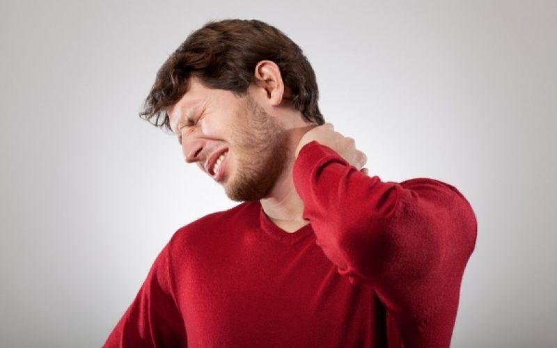 Αυχενικός Πόνος: Πως θα σηκώσετε κεφάλι;