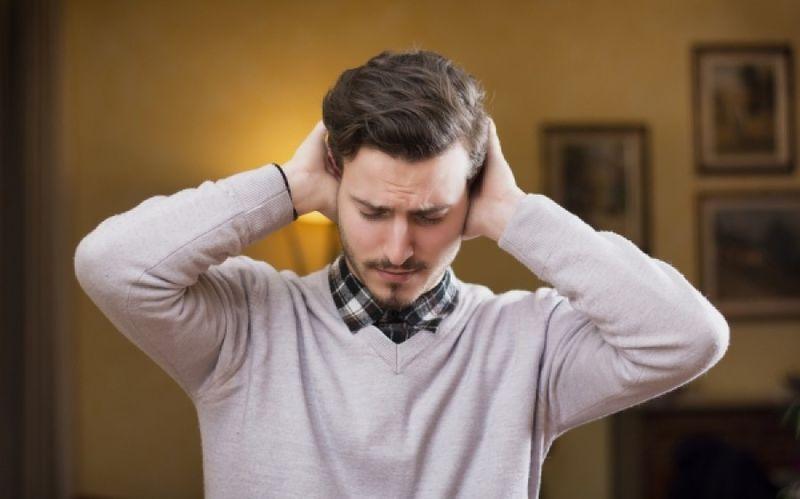 Βουητό στα αυτιά: Τι το προκαλεί και πώς θα προφυλαχθείτε