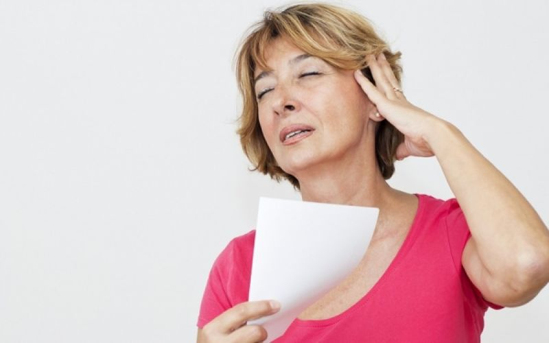 Εμμηνόπαυση: 9 αλλαγές που προκαλεί στο δέρμα