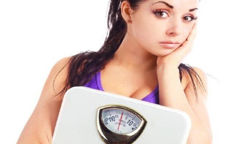 Επίμονα περιττά κιλά: Υπάρχει αποτελεσματική λύση στο πρόβλημα;