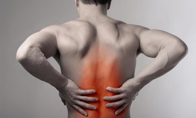 Σπονδυλική στήλη: Δείτε πως θα απαλλαγείτε από τον πόνο χωρίς νυστέρι
